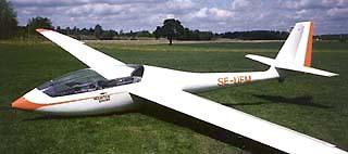 Klubben har ägt tre Scheibe SF-34, SE-UEA, SE-UFM, SE-UKD. UEA hämtades med vagn hos Scheibe i Dachau av Nils Sjöberg, Bengt Palmestål och Rolf Hollsten 1985